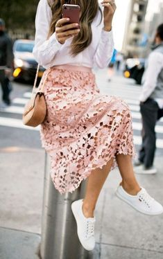 30 Tips To Wear Girly Outfits With Sneakers Sneakers For New York Fashion Week Dress And Sneakers Outfit, Skirt And Sneakers, Sneakers Fashion Outfits, Summer Sneakers, Sneaker Outfits, Men Sneakers, Sneakers Adidas, Lace Outfit, Fashion Heels