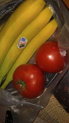 Snap Food, Food Snapchat, Food Gallery, Vegetable Salad, Food And Drink, Alcohol, Banana, Vegetables, Desserts