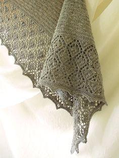 Peppernut Lace Shawl Knitting Pattern PDF von bluepeninsula auf Etsy