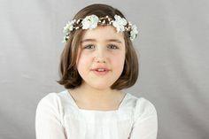 Image of Couronne enfant: fleurs de cerisier (sakura) - Blanc