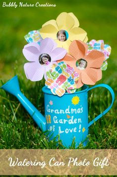 Watering can photo gift for Mother's Day by @bubblynature #gluenglitter #Elmers