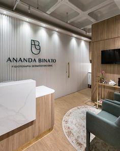 Enquanto não temos as fotos oficiais, vai um preview dessa clínica linda! 🙆🏽♀️ Recepção da Clínica @anandabinato de Fisioterapia…