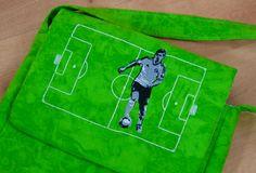 Fussballtasche mit Fußballer-Stickerei by Gabrielles Atelier