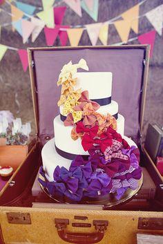 fun vintage bow wedding cake