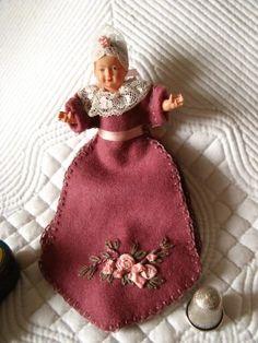 Poupée Pique épingle or Doll Pin Holder   Histoires de Boites à Couture❤❤❤