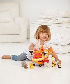 With fun sounds, 5 safari animals and 2 fun £20 from 50 characters, the Safari Rescue plane is ready to fly over Happyland.