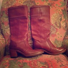 Frye Jane 14L stitch boot Classic frye boots, Knee high, brownish red color. Small scuff on the back heel other then that normal wear. Selling these to buy new! Frye Shoes Heeled Boots