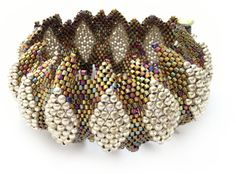Bracelet, convex view - pinned by Sylvia Lamb, though she doesn't say if she made it.