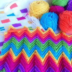 Plonking myself outside in the sunshine with this lot today. Lots of finishing, starting and catching up to do #crochet #tunisiancrochet #yarn #chevron #zigzag #color #colour