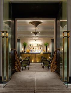 The Pierre, an iconic Taj hotel at New York: Suites, deluxe rooms and other luxury services provided at your footstep. New York Bar, New York City, Pierre Hotel, New York Hotels, Bar Lounge, Exterior, Grand Hotel, Dining, Interior Design
