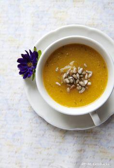 Wspaniały krem jarzynowy z dużą ilością różnorodnych warzyw. Zupa syci, odżywia. Swietnie smakuje z grzankami lub z pajdą dobrego razowego chleba.