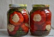 Gogosari cu conopida pentru iarna Deli Food, Romanian Food, Romanian Recipes, Us Foods, Preserves, Pickles, Great Recipes, Delish, Mason Jars
