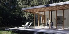 Photo: Christensen & co arkitekter a/s This is another great Danish summer house, created by architects Pernille Poulsen and Micha. Small House Images, Gazebo, Pergola, Built In Sofa, Lake Cabins, Prefab Homes, Modern House Design, Home And Family, Villa