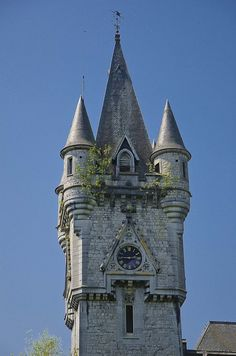 Chateau de Miranda, Incredible fairytale towers...