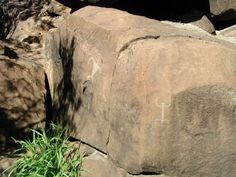 Who wouldn't want to see some ancient petroglyphs? #Hawaii