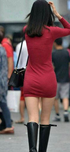 Tight Skirt Outfit, Sexy Skirt, Sexy Jeans, Sexy Rock, Girls In Mini Skirts, Curvy Girl Outfits, Sexy Hips, Beautiful Asian Girls, Colorful Fashion