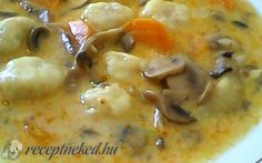 Gombaleves krumpligombóccal recept fotóval Cheeseburger Chowder, Food And Drink, Soup, Soups