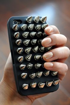 DIY FILES studded iphone case via Fuji Files. DIY Tech Do It Yourself upcycle recycle how to craft crafts instructable gadgets cover diy iphone Art Pastel, Pastel Goth, Studs And Spikes, Ideias Diy, Bling, Diy Phone Case, Diy Case, Favim, Iphone Case Covers