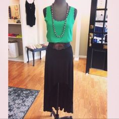 JAX Look of the Day! This outfit will have you looking perfectly put together with flats or wedges while not breaking the bank at all! This cute tank is only $22 and the super versatile hi low skirt only $35!! #jaxboutique #jaxhaddonfield #downtownhaddonfield #lookoftheday
