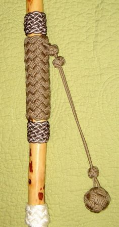 - Cordage, chain, rope etc - Weberei Wooden Walking Sticks, Walking Sticks And Canes, Walking Canes, Bushcraft, Spirit Sticks, Throwing Axe, Walking Staff, Wood Badge, Paracord Projects
