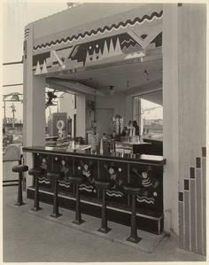 """ Art deco snack bar at 1928 mini golf Wilshire Links Los Angeles, owned by Mary Pickford "" Art Deco Bar, Art Deco Decor, Art Deco Stil, Art Deco Design, Decoration, Gaudi, Bauhaus, Art Nouveau, Estilo Art Deco"