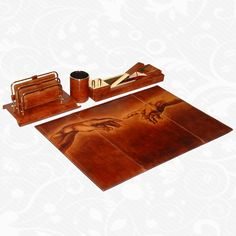 Feature: ichelangelo – The creation of Adam detail   Original hand-painted office set of genuine leather. There is only one piece. Each piece is hand-painted work of art products. Office set is a beautiful unique original painting. http://www.vegalm.sk/produkt/rucne-malovany-kancelarsky-set-c-80/