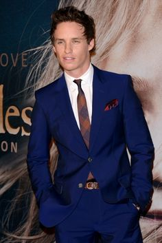 Eddie Redmayne at the New York premiere of Les Miserables