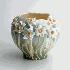 Daffodil Flower Garden design sculptured porcelain vase designed by Ute Patel-Missfeldt