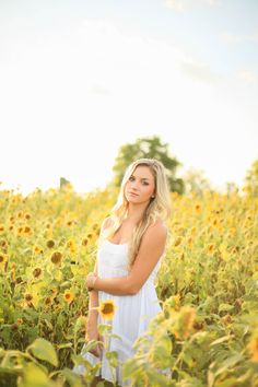 sunflower field senior session. Southern, outdoorsy summer sunflowers