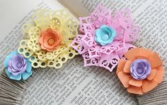 Use a corner punch to make these flowers - tutorial
