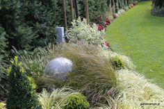 trawy, bukszpany i dereń Christmas Bulbs, Holiday Decor, Garden, Home Decor, Garten, Lawn And Garden, Interior Design, Gardening, Home Interior Design