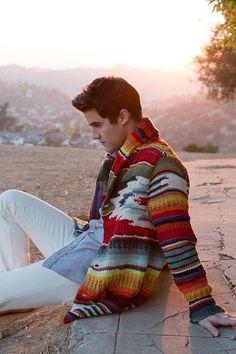 Darren Criss: cool sweater