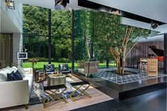 Una residencia en la Ciudad de México que irradia la esencia del interiorismo de Olga Hanono y Sara Mizrahi.
