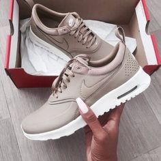 NIKE Women's Shoes - Nike Air Max Thea Premium Desert Camo Casual Sports Shoes - Find deals and best selling products for Nike Shoes for Women Nike Free Shoes, Nike Shoes Outlet, Running Shoes Nike, Running Leggings, Nike Free Runners, Nike Air Max, Image Nike, Mode Ootd, Sport Outfit
