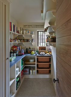 INTERIOR DESIGN ∙ COUNTRY HOUSES ∙ WILTSHIRETodhunter Earle actually love the door leading into butlers pantry