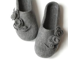 Women house shoes - grey felted wool slippers with roses - wedding gift - made to order on Etsy, $65.00