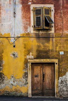 Door in Pula, Croatia
