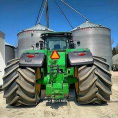 "2,065 mentions J'aime, 3 commentaires - FARM_MACHINERY (@farm_machinery) sur Instagram : ""#JohnDeere 4055 #brunette #tractorgirl #johndeeregirl @ireneserrano_mc"""