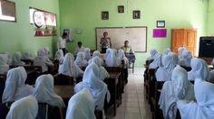 Polsek Saradan Gelar Penyuluhan Tertib Lalu Lintas dan Anti Narkoba Bagi Pelajar