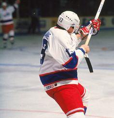 Finnish ice hockey player Teemu Selanne of the Winnipeg Jets celebrates his goal in his rookie season, 1992 - 1993 season. (Photo by Tony Biegun/Getty Images) Ice Hockey Players, Nhl Players, Jets Hockey, Hockey Mom, Hockey Stuff, Hockey World, Jet Fan, Pittsburgh Penguins Hockey, Anaheim Ducks