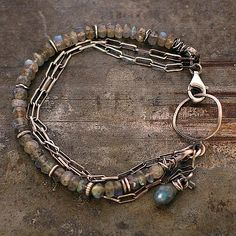 bransoleta z labradorytami i bursztynem - cobalt blue ewa lompe biżuteria autorska .