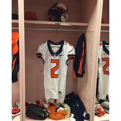 """White helmets and jerseys for @illinifootball #uniswag"" Photo taken by @uniformswag on Instagram, pinned via the InstaPin iOS App! http://www.instapinapp.com (10/10/2015)"