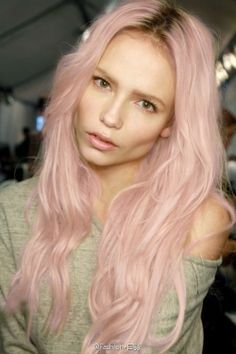 The new Feria pastels - Natasha Poly rocking smokey pink. Baby Pink Hair, Pastel Pink Hair, New Hair Colors, Cool Hair Color, Hair Colour, Vidal Sassoon Hair Color, I Like Your Hair, Hair Issues, Bright Blonde