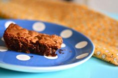 Yummy chocolate chip blondies. They are rich and chewy!
