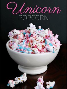 popcorn is an easy to make and colorful treat that is perfect for your unicorn themed birthday party or unicorn sleepover!Unicorn popcorn is an easy to make and colorful treat that is perfect for your unicorn themed birthday party or unicorn sleepover! Unicorn Themed Birthday Party, Birthday Party Snacks, Snacks Für Party, Snacks Kids, Unicorn Party, Party Appetizers, 5th Birthday, Slumber Party Foods, Kids Birthday Treats