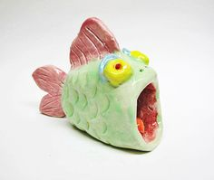 Beth Hemmila of Hint Jewelry: Free DIY Arts & Crafts Tutorial . Clay Fish, Kids Clay, Fish Sculpture, Pinch Pots, Air Dry Clay, Diy Arts And Crafts, Clay Projects, Clay Art, Art Lessons