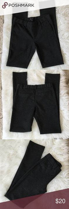 Daisy Fuentes Charcoal Leggings Daisy Fuentes leggings.  These are thick leggings perfect for cooler weather. Daisy Fuentes Pants Leggings