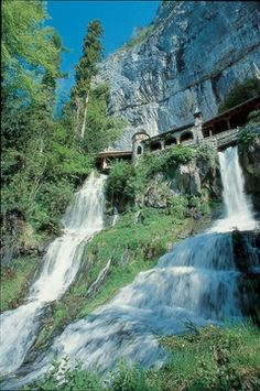 Looks like Rivendell. Can't wait to visit this place. Saint Beatus Caves near Lauterbrunnen