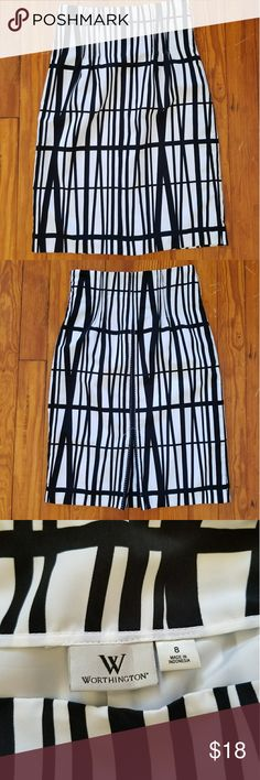 """Worthington Abstract Print Skirt In very good used condition!!  Black/White Print High waisted/sits at natural waist Pencil Style Zip and hook closure/left hip Bold white stitching down the back seam No stretch Faux Slit   Measures approximately 28"""" waist 40"""" hip 27"""" from the top hem to bottom hem  20"""" across the bottom hem  8.5"""" faux slit Worthington Skirts"""