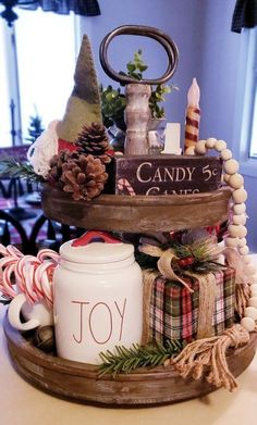 Are you searching for inspiration for farmhouse christmas decor? Check out the post right here for very best farmhouse christmas decor ideas. This farmhouse christmas decor ideas seems to be wonderful. Farmhouse Christmas Decor, Country Christmas, Christmas Home, Christmas Ideas, Cottage Christmas, Christmas Christmas, Christmas Inspiration, Christmas Projects, Christmas Centerpieces